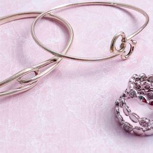 Tiffany & Co • Looped Cuff Bracelet • M